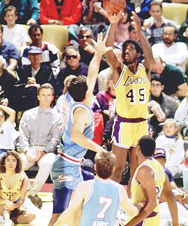 A.C. Green contra los Sacramento Kings