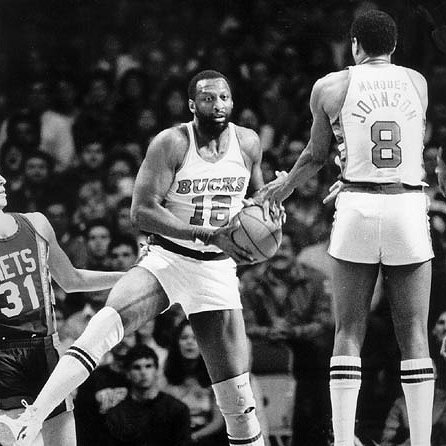 Bob Lanier y Marques Johnson en los Bucks de 1984