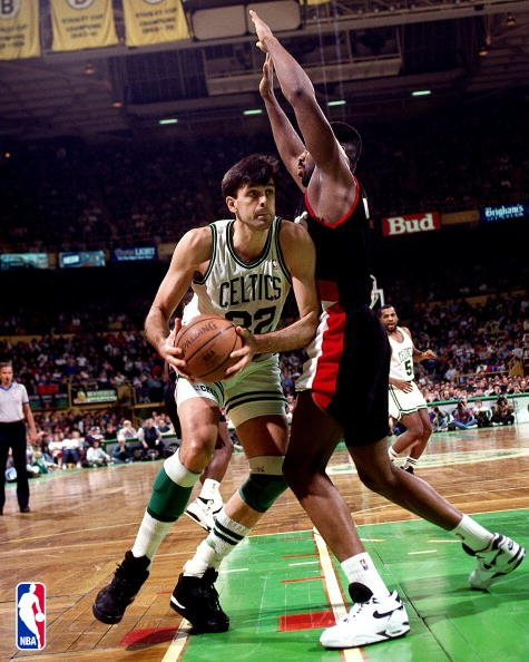 Kevin McHale contra Buck Williams