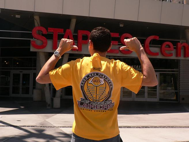 Dimas en el Staples Center